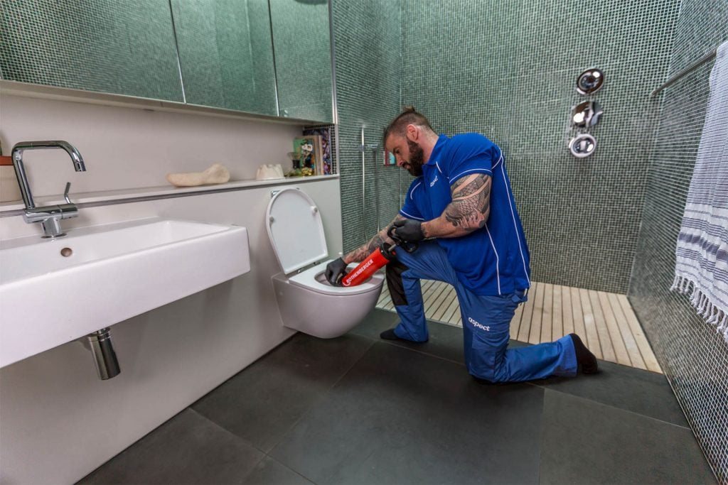 toilet-plumbing-tips-for-homeowners